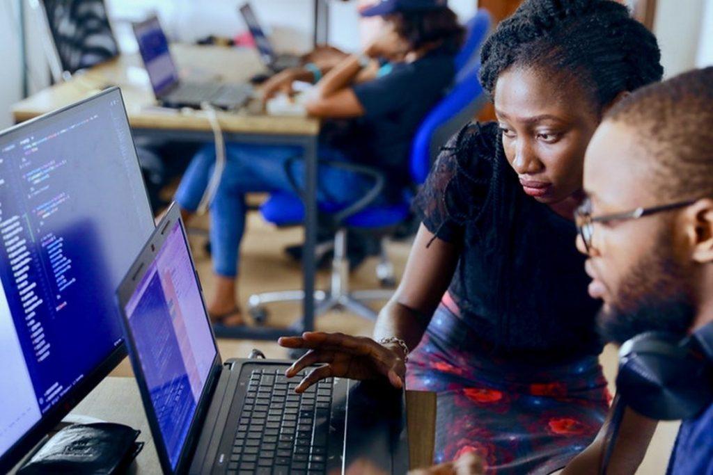 Nous recherchons pour notre Siège Social à Kinshasa deux Développeurs Web Front-...